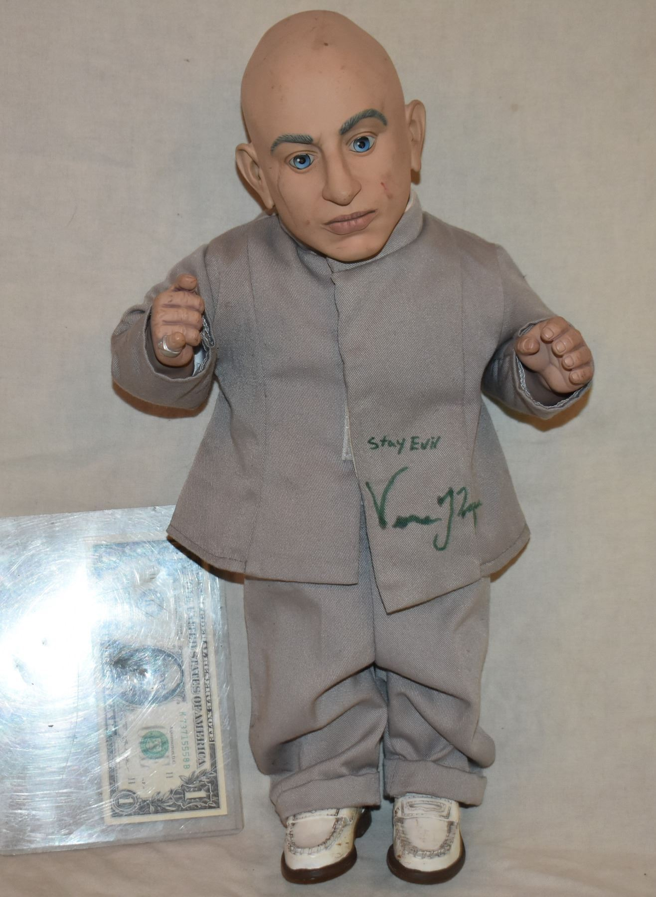 75bce9b2935b Image 1 : AUSTIN POWERS MINI ME TALKING DOLL HAND SIGNED BY VERNE TROYER ...