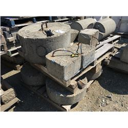 LOT OF CONCRETE WEIGHTS