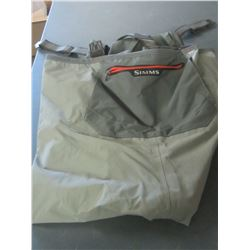 Simms Waders / stocking feet / size Large to XL 359.00 price/untested