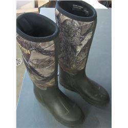 Boys size 4 Red Head Waterproof Boots