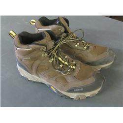Ascend Mens Bone Dry Waterproof hikers size 12 / top eye hook is off, see pic