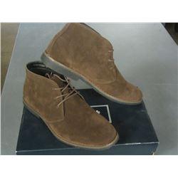 New Mens Oak + Rush size 9 shoes / Brown