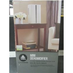 New 2 Litre Mini De Humidifier / Excellent for damp or musty Basements
