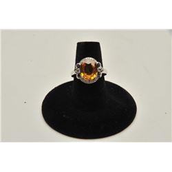18RPS-13 YELLOW SAPPHIRE  DIAMOND RING