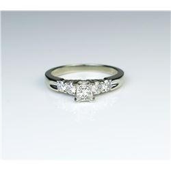 18CAI-55 DIAMOND RING