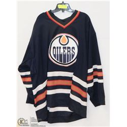 CCM OFFICIALLY LICENSED OILERS JERSEY SIZE 2XL