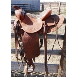 """Victor Ario saddle, padded seat, 14"""", flat plate, double rig, round skirts"""