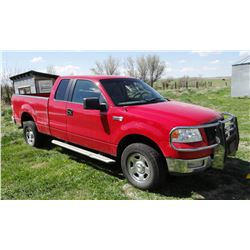 "2005 Ford F150 XLT, 5.4 Triton, auto, ext. cab, grill guard, radio/CD, 6'6"" box, 95,660 miles. Super"