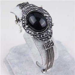 BRACELET - VINTAGE STYLE CRAFTING OF BLACK ONYX STYLE GEMS IN GERMAN STERLING SILVER SETTING WITH 18
