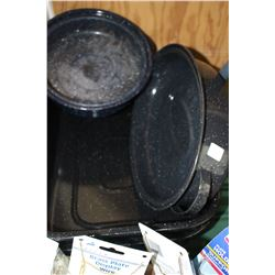 3 Roasting Pans - Speckled Enamel (Good Condition)