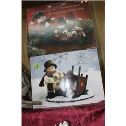 2 Christmas Centre Pieces
