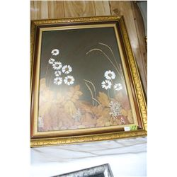 Daisy Picture in a Guilded Frame