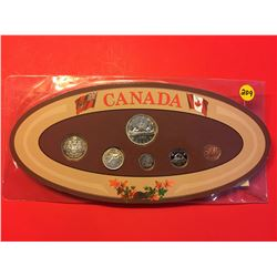 1965 Canada Set in holder