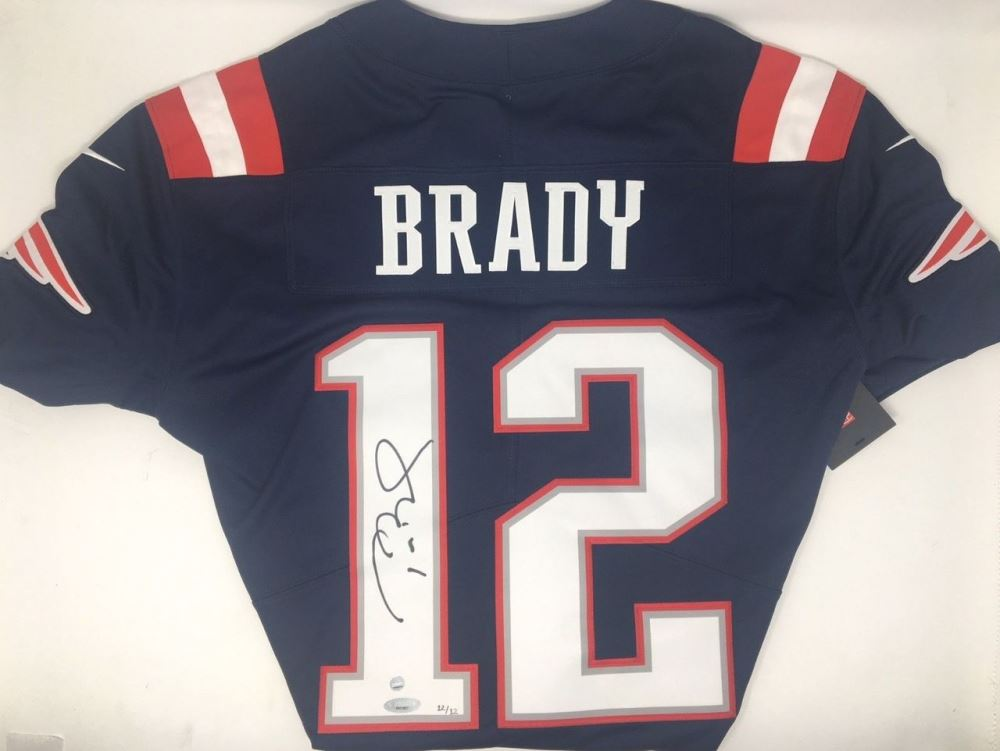 e6250278ce0 Image 1 : Tom Brady Signed Limited Edition Patriots Nike Jersey (TriStar  Steiner)
