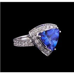 14KT White Gold 2.20 ctw Tanzanite and Diamond Ring