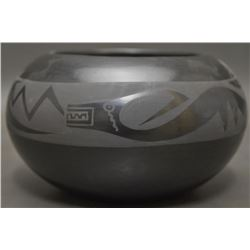 SAN ILDEFONSO POTTERY BOWL (APPLELEAF)