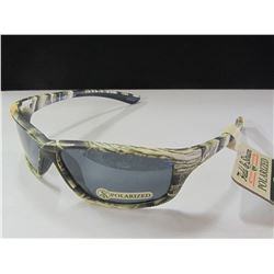 New Field & Stream Polarized Sunglasses 100 % protection / 39.00 tags