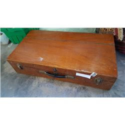 VINTAGE WOOD TOOL BOX FIITED OUT