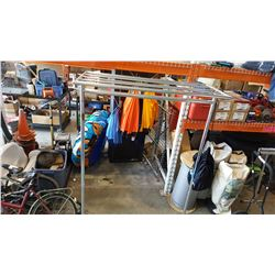 6FT ROLLING RETAIL CLOTHES RACK