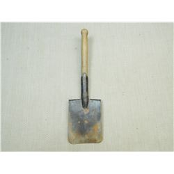 EAST GERMAN SHOVEL