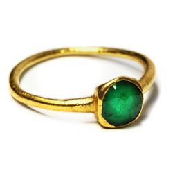Gold-and-emerald ring, approx. 1 carat, size 4, from the Atocha (1622).
