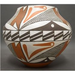ACOMA POTTERY JAR (ROY)