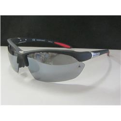 New Foster Grant Iron Man Sunglasses / 100% Max block protection