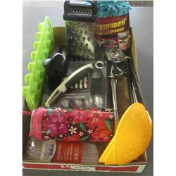 Flat of Kitchen items / set of 4 spreaders / peelers / cheeze grater and more