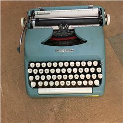 Typewriter : Smith Corona