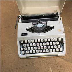 Typewriter : Majestic 400