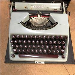 Typewriter : Olympia