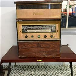 Meifterfinger Radio/Record Player w/Coffee Table
