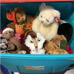 Tote Lot: Stuffed Animals (Variety) & Shell Owl