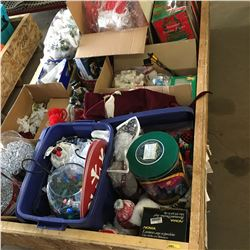 Crate Lot: Quality CHRISTMAS Collection !