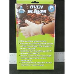 New Pair of Oven Gloves / a must have for BBQ or Camping
