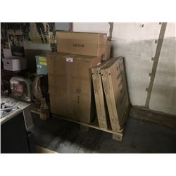 PALLET OF MIRRORS & BATHROOM PARTS