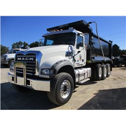 2017 MACK GU713 DUMP, VIN/SN:1M2AX07C3HM034868 - TRI-AXLE, 455 HP MACK MP8 ENGINE, ALLISON A/T, 44K