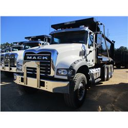 2018 MACK GU713 DUMP, VIN/SN:1M2AX07C0JM037622 - TRI-AXLE, 455 HP MACK MP8 ENGINE, MACK T310M 10 SPE