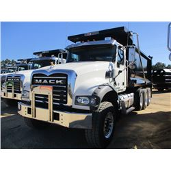 2018 MACK GU713 DUMP, VIN/SN:1M2AX07C4JM037624 - TRI-AXLE, 455 HP MACK MP8 ENGINE, MACK T310M 10 SPE