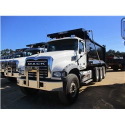 2018 MACK GU713 DUMP, VIN/SN:1M2AX07C5JM038247 - TRI-AXLE, 455 HP MACK MP8 ENGINE, MACK T310M 10 SPE