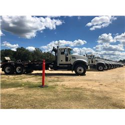 2018 MACK GU713 ROLL OFF TRUCK, VIN/SN:1M2AX09C7JM037548 - T/A, 415 HP MACK MP8 ENGINE, MACK M DRIVE