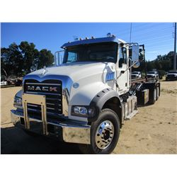 2016 MACK GU713 ROLL OFF TRUCK, VIN/SN:1M2AX04C0GM028240 - T/A, 405HP MP7-405M ENGINE, 8LL TRANS, 44