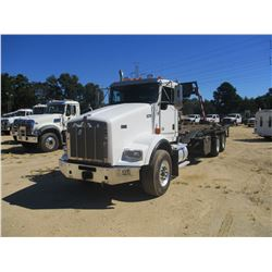 2011 KENWORTH T800 ROLL OFF, VIN/SN:1NKDLP0X7BJ295270 - T/A, PACECAR DIESEL ENGINE, 10 SPEED TRANS,