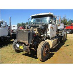 2000 INTERNATIONAL 9900i TRUCK TRACTOR, VIN/SN:2HSCHAXR4YC083492 - T/A, CAT DIESEL ENGINE, 10 SPD TR