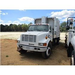 2000 INTERNATIONAL 4700 GARBAGE TRUCK, VIN/SN:1HTSCABN8YH313303 - S/A, IHC DIESEL ENGINE, A/T, PAK-M