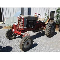 FORD 900 ROW CROP TRAILER, VIN/SN:142536 - 13.6-28 TIRES