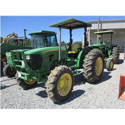 2013 JOHN DEERE 5083E FARM TRACTOR, VIN/SN:511057 - MFWD, 2 REMOTES, CANOPY, 16.9-30 TIRES, METER RE