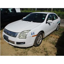 2007 FORD FUSION VIN/SN:3FAHP07147R204913 - GAS ENGINE, A/T, ODOMETER READING 243,941 MILES (COUNTY