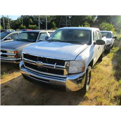 2008 CHEVROLET 2500HD PICK UP, VIN/SN:1GCHK23K08F140158 - 4X4, CREW CAB, GAS ENGINE, A/T (ODOMETER R