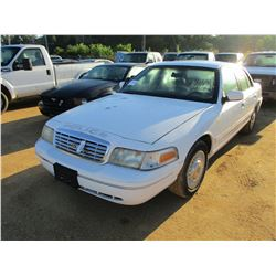 2002 FORD CROWN VICTORIA VIN/SN:2FAFP71W42X134389 - GAS ENGINE, A/T, ODOMETER READING 146,578 MILES